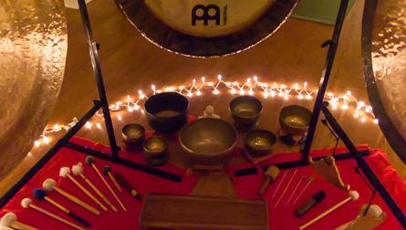 Gongs & Singing Bowls